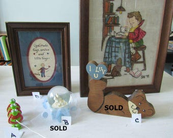 Vintage Crewel Picture, Plaque, Ledge sitter, Turtle Toy, For Boys  137