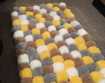Handmade pom pom rug/ nursery rug/ white bedroom/7cm pom poms/ nursery/ childs bedroom.