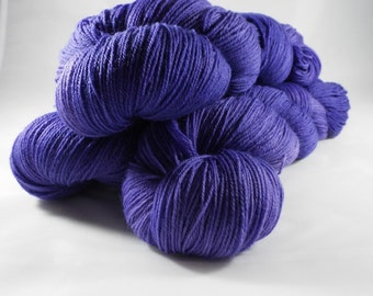 hand-dyed cloth yarn, Merino, fingering