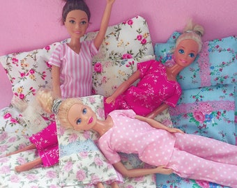 Bedtime Kit for Barbie and Sindy sized dolls