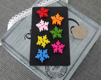 10 x Pretty Bright Colourful Snow Flake Shape Wooden Button with 2 holes