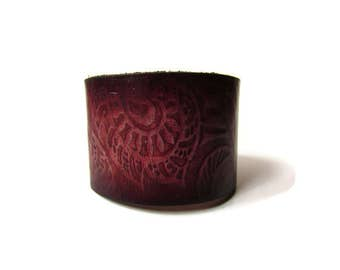 Bordeaux leather cuff, flower leather bracelet, unique leather cuff, embossed leather wristband, AlbertLedder