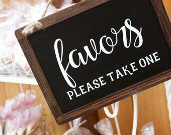Wedding favors sign