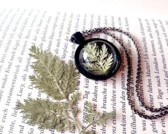 Fern Cabochon Unique, expressive resin jewelery in black