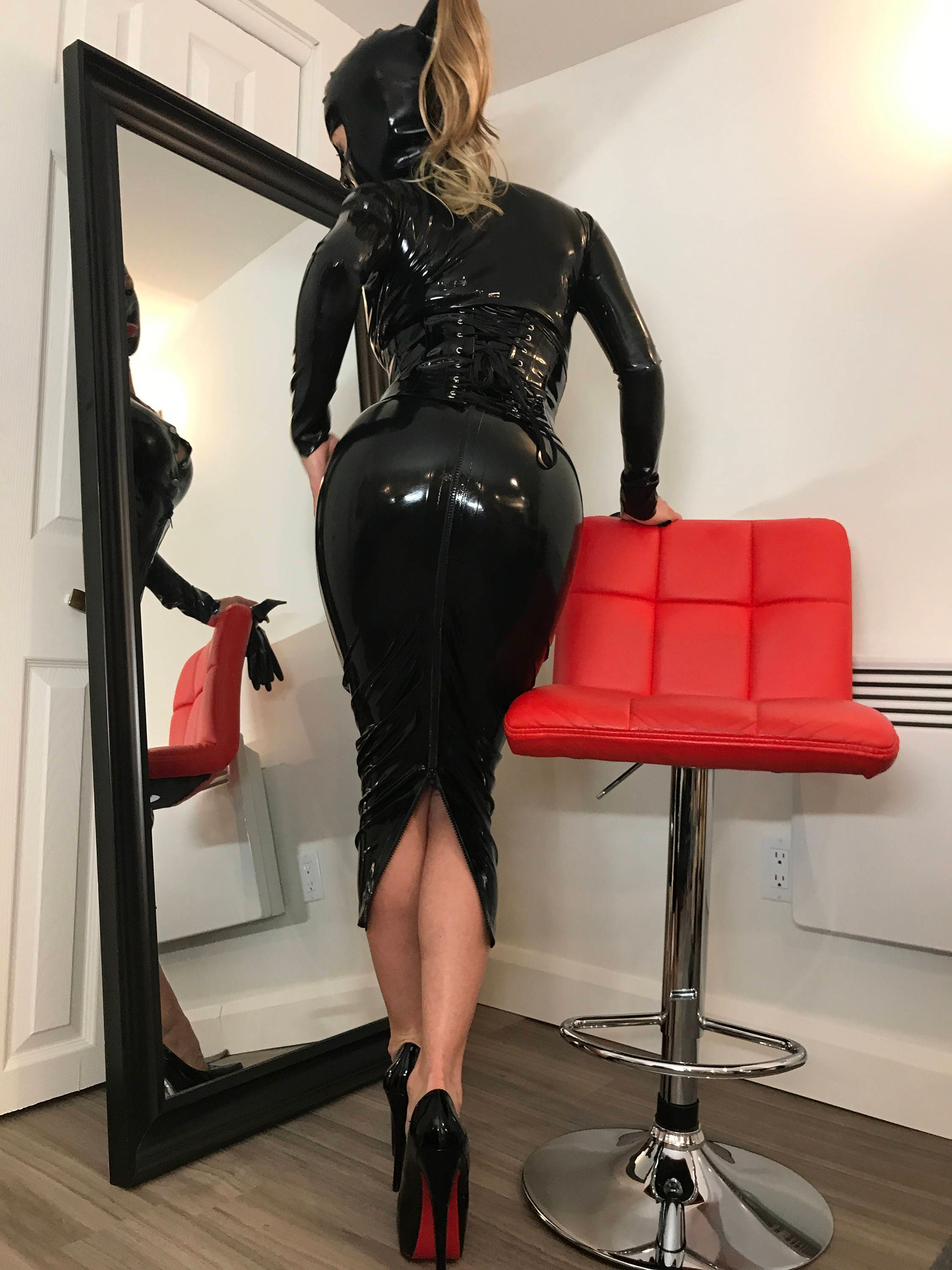 Sexy mistress in leather spanks the slut 7