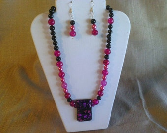 121 Bold Dichroic Glass Pink and Black Pendant with Glass Pearls and Black Agate Beads Beaded Necklace
