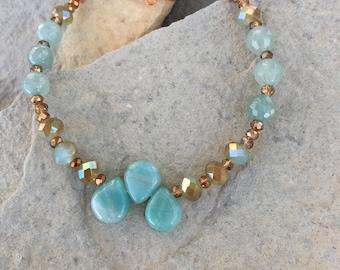 Aquamarine teardrop and copper bracelet