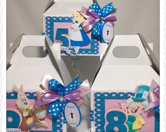 6 Alice in Wonderland Inspired Favors Boxes