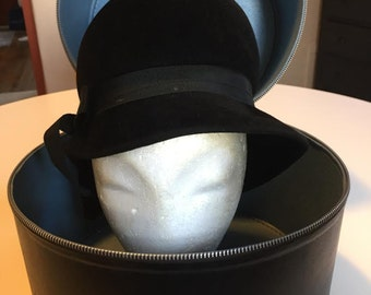 Peachbloom Velour Merrimac Hat with Vinyl Hat Box  Union Made