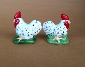 Rooster kitchen, salt and pepper, animal shakers, rooster gifts, farmhouse chic, farmhouse decor, country shabby, chicken decor