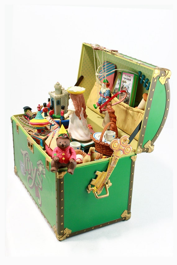 Toy Treasure Chest Beach : Vintage treasure chest of toys moveable and figures music