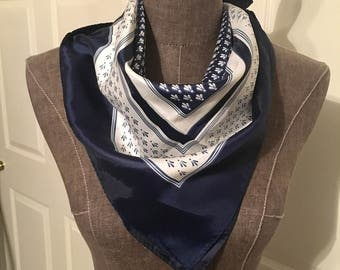 totes water repellent navy and white scarf 27x27