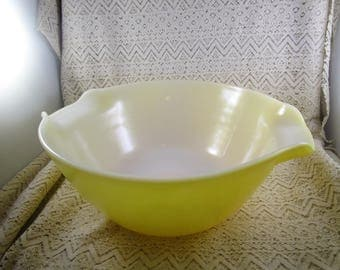 Fire King mixing bowl, Yellow with Cinderella Handles