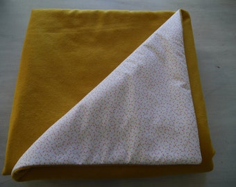 Top of bed effect yellow wool