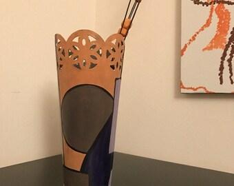 "Vase hand-painted - ""eccentric"""