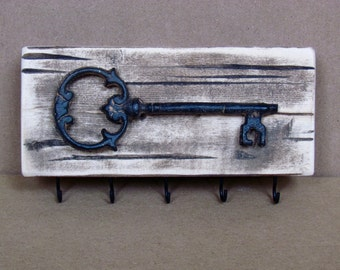 Rustic Key Hanger with Cast Iron Key