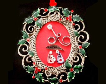 Oval quilled ornament
