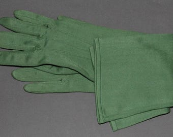 Green gloves 1960s to 1970s cloth mid-arm decorative seams size small