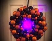 Halloween Wreath with Lig...
