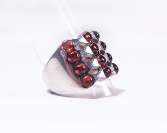Silver and Garnet cabochon ring