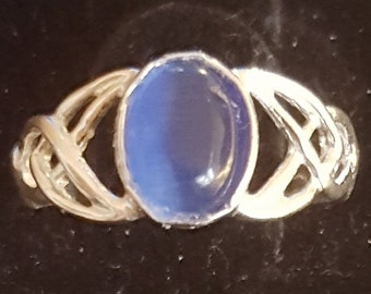 Celtic 8x6mm blue catseye and sterling silver ring