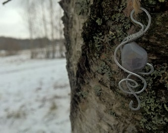 Hand crafted wire pendant with gem stone