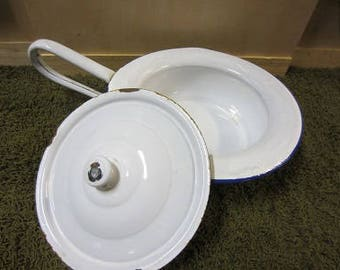 White blue enamel bed pan, chamber pot (ondersteek)