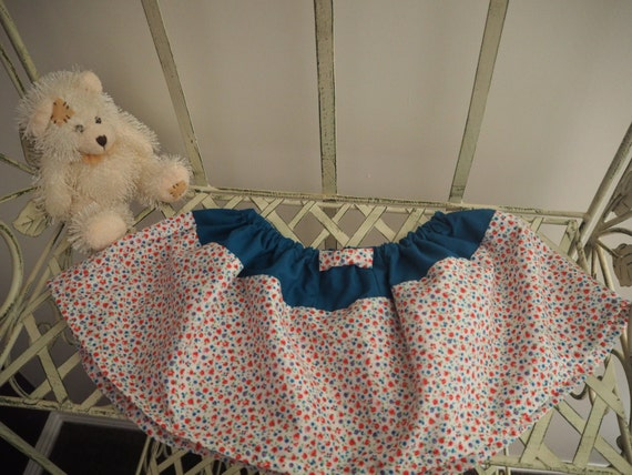 Beautiful little flowered summer Skirt with Bow Size 3