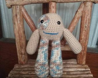 Crochet Monster, amigurumi, bubble legs (beige)