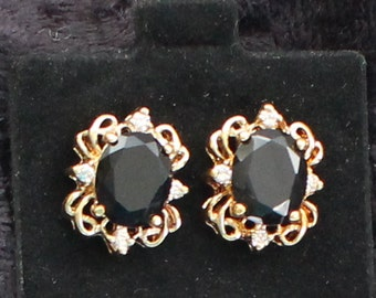 SO # 1046 Vintage Gold Tone Black Onyx-Like Crystal Pierced Earrings