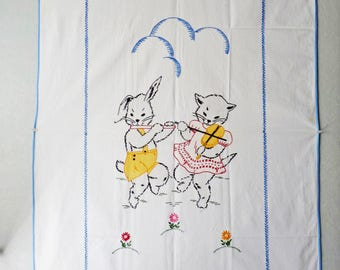 Small embroidered cat and rabbit cloth