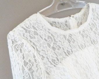 Lace wedding dress, vintage 1980's - 1990's, simple and elegant.