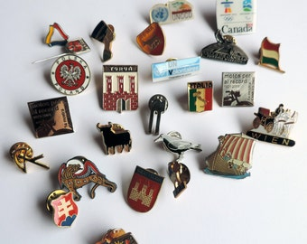 Lot of 25 vintage metal pins, collection of pins from different countries, fashion accessories, collectibles, traveling souvenirs
