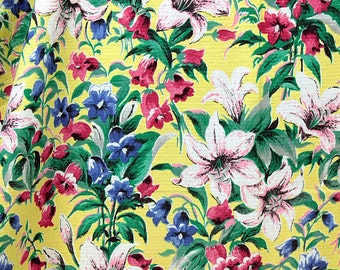 Pretty Lilies and Penstemons 1940s Vintage Fabric