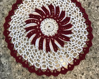 Doilies White with Burgundy