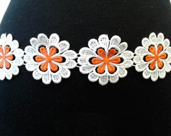 Orange & white flower trim