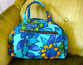 1960's Flower Tote Bag, Blue Flower Purse, flower power handbag, flower power purse, vintage toiletry bag, vintage cosmetic bag