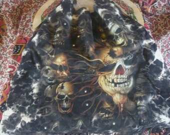 Skull tote bag. Handmade, recycled, upcycled.