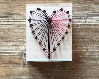 Wooden pen holder with red heart in string art, handmade pen holder
