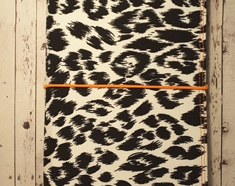 Wilddori 'Leopard Print' Travelers Notebook Journal with Orange Lining and  Orange Elastic, Midori Style Fauxdori, with Insert.