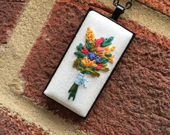 Embroidered pendant necklace, Floral jewelry, Flower bouquet necklace, Emboidered flower necklace, Handmade jewelry, Boho style jewelry