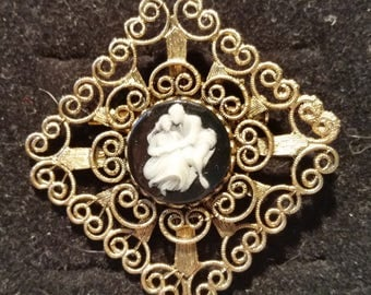 Faux Cameo Brooch Black and Whie