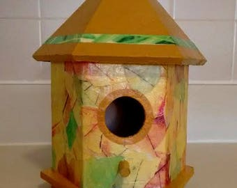 FAB LEAF BIRDHOUSE! Is totally gorgeous and is the perfect home for those high class, tasteful birds!