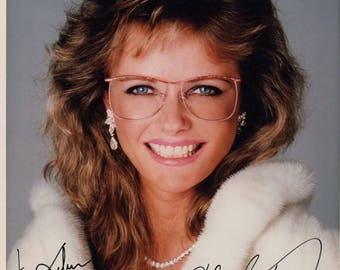 Cheryl Tiegs autographed, signed color 8X10 photo.  FREE S&H!!!! PRICE REDUCED!!!