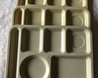 3 Silite Vintage Plastic Lunch Trays