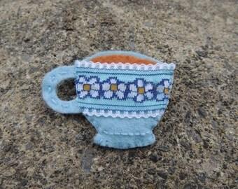 Tea cup felt brooch
