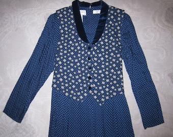 Vintage Karin Stevens Petites blue patterned dress w attached vest, blue velvet collar & buttons, ladies' size 12 Petite