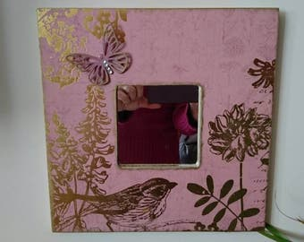 Mirror combined in shades of pink and gold