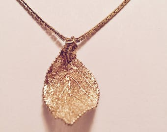 Curved Aspen Leaf Lace Necklace (GOLD PLATED)