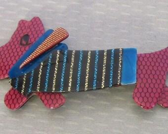 Lea Stein Paris SOCKS BASSET HOUND cellulose acetate plastic dog in sweater brooch pin